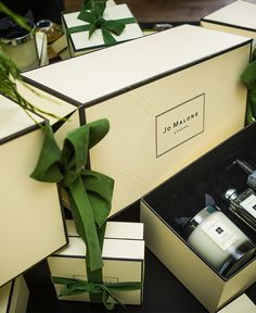Jo Malone London | 'Tis the Season | Ultimate Christmas Cracker