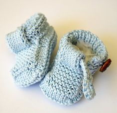 12_easy_baby_shoes_knitting_pattern_small2