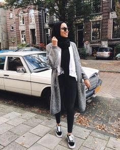 Girly chic hijab collection – Just Trendy Girls Modern Hijab Fashion, Street Hijab Fashion, Hijab Fashion Inspiration, Muslim Fashion, Look Fashion, Fashion Outfits, Casual Hijab Outfit, Hijab Chic, Hijab Collection