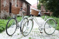 Egriders retro style bikes vintage bicycle handmade leather accessories couple love woman man#bicycles#bikes#couple#love Bike Couple, Vintage Bicycles, Leather Accessories, Handmade Leather, Retro Style, Retro Fashion, Passion, Woman, Retro Styles