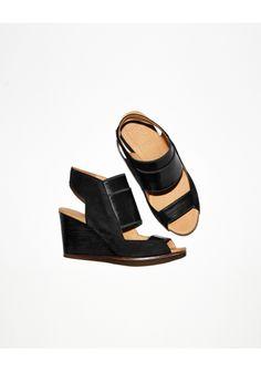 MM6 by Maison Martin Margiela Elastic Strap Sandal | La Garçonne
