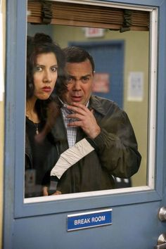 Boyle helps Diaz come up with a non-violent act of retribution ~ Season 1, Episode 18: The Apartment ~ Episode Pics #amusementphile