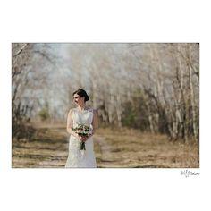 Spring wedding on the prairies in Manitoba. Stunning bouquet @pineridgehollow ! #manitoba #weddings #weddingdetails #details #bouquet #flowers #prairies #bride #spring #weddingvenue #blfstudio