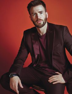 Chris evans in a dark red suit chris evans крис эванс, капит Christopher Evans, Steve Rogers, Capitan America Chris Evans, Chris Evans Captain America, Capt America, Age Of Ultron, Chris Hemsworth, Dark Kingdom, Dark Red Suit