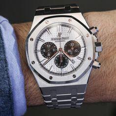 Audemars Piguet Royal Oak Chronograph Watch In Steel Hands-On | aBlogtoWatch