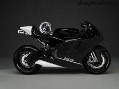 Ducati Desmosedici RR Modified PT: Poucas modificações na moto, pintura preto com branco, capacete Shark RSX Holoyang KWR, peças cromadas, escapamento alongado, farol modificado, etc...