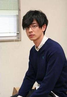加瀬亮くんの見事な眼鏡男子っぷりにトキメいた・・・の画像(1/1)