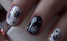 Winter Snowy Nail Art Tutorial