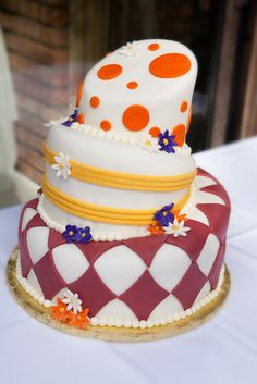 Linson and crystal wedding cakes