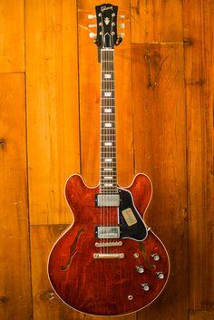Gibson Custom Shop 1962 ES-335 Limited Run – Slim Neck, VOS Cherry.jpg