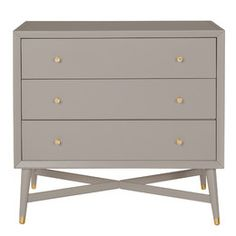 The period style of the DwellStudio Mid-Century 3 Drawer Dresser has every detail you'd expect, from clean lines to distinctive hardware on drawers and feet. This piece is designed to transition beautifully from baby's room and beyond. Blue Drawers, Set Of Drawers, Metal Drawers, Mid-century Modern, Modern Kids, Modern Living, Contemporary, Cabinet Molding, Changing Table Topper