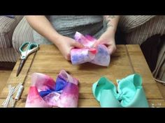 How to Make a Boutique Hair Bow Instructions - Daddy Fold our Easiest Boutique Fold Ever! - Hair bows - How to Make a Boutique Hair Bow Instructions – Daddy Fold our Easiest Boutique Fold Ever! Big Hair Bows, Hair Ribbons, Making Hair Bows, Ribbon Bows, Easy Hair Bows, Diy Ribbon, Jojo Siwa Bows, Jojo Bows, Jojo Hair Bows