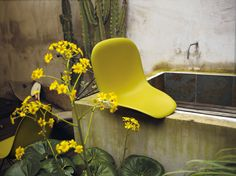The Eames Plastic Side Chair is made for outdoor as well as for indoor use.