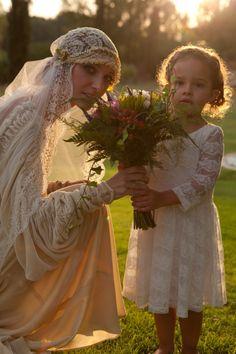 El vestido y el velo de Veronica Grolimund es uno de los mas bonitos que hemos visto ultimamente y su historia más :)  #bodavintage