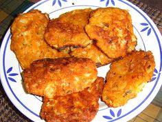 Zelné karbanátky chutnají dětem i dospělým Tandoori Chicken, A Table, Vegetarian Recipes, Ethnic Recipes, Food, Cooking, Essen, Meals, Yemek
