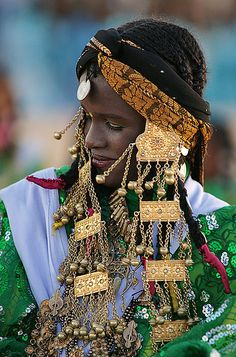 Woman in traditional attire from Libya