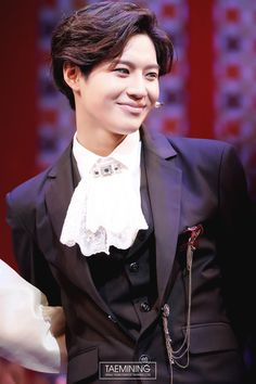 GAWD THIS IS LIKE THE CUTEST PICTURE OF TAEMIN. HAAALP