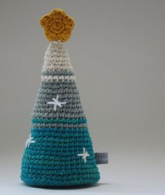 Christmas Tree - Free Pattern by {Amour Fou}