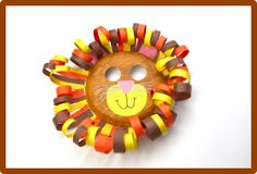 Help your kids make a cute lion mask.