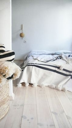 Moroccan POM POM Cottonl Blanket White - Black Bands