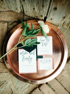 Modern wedding invitation with copper detail | April Bennett Photography via Glamour & Grace