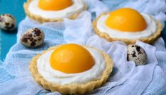 """Egg Yolk"" Peach Custard Tarts {Vegan and Gluten-Free} - Nerdy Mamma Pie Dessert, Dessert Recipes, Easter Buffet, Dessert Original, Custard Tart, Vegan Baby, Easter Cupcakes, Tea Cakes, High Tea"