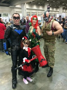 Nightwing Posed For A Photo With An Adorable Lil' Harley Quinn [Cosplay]