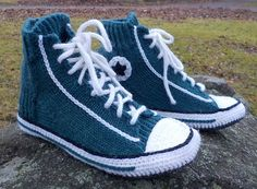 Ravelry: Project Gallery for Slipper Socks pattern by Rea Jarvenpaa