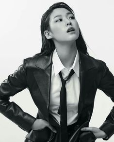Women in suits and blazers Tomboy Chic, Seolhyun, Mode Masculine, Kpop Girl Groups, Kpop Girls, Gq, Kim Seol Hyun, Pose Reference Photo, Soyeon