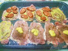 Vepřové řízky skryté pod peřinkou | NejRecept.cz Czech Recipes, Ethnic Recipes, Food Dishes, Sushi, Muffin, Pork, Food And Drink, Cooking Recipes, Favorite Recipes