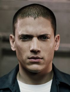 I miss watching PrisonBreak... And seeing this gorgeous face everyday!