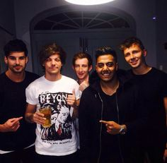 Louis with his mates tonight