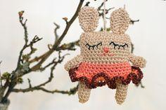 YARNFREAK: DIY: Små søvnige påskeharer