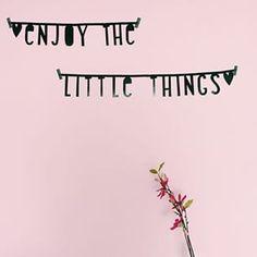 #Wordbanner #tip: Enjoy the little things - Buy it at www.vanmariel.nl - € 11,95