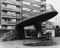 Flying Saucer Playground in Churchill Gardens Pimlico London British Architecture, Landscape Architecture, London History, Old London, Vintage London, Urban Industrial, Things To Do In London, London Photography, Slums