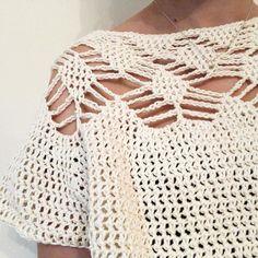 Learn To Crochet, Diy Crochet, Crochet Hooks, Crochet Top, Blue And Copper, Knitting Kits, Yarn Ball, Crochet Blouse, Baby Alpaca