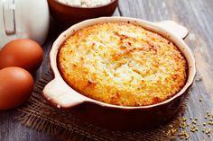 Pouding chômeur au caramel à la fleur de sel - Recette - Dessert/Essayez de ne pas boire le caramel à la fleur de sel pendant que vous préparez le gâteau.../fraîchement pressé