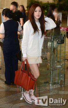 걸그룹 티아라 효민이 콘서트 참석차 16일 오전 김포공항을 통해 중국 상해로 출국했다.