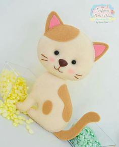 We sew adorable kittens 0 Felt Christmas Ornaments, Christmas Crafts, Chat Crochet, Felt Baby, Felt Patterns, Cat Crafts, Felt Fabric, Stuffed Animal Patterns, Felt Toys