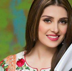Ayeza khan Pakistani Movies, Pakistani Actress, Pakistani Dresses, Designer Punjabi Suits, Indian Designer Wear, Designer Sarees, Mori Fashion, Ayeza Khan, Festival Outfits