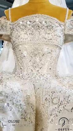 Affordable Wedding Dresses, Luxury Wedding Dress, Wedding Gowns, Fall Wedding Colors, Wedding Color Schemes, Kurti Patterns, Bridal Lace Fabric, Wedding Planning, Wedding Ideas
