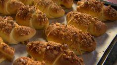Böszörményi parasztkifli Hot Dog Buns, Hot Dogs, Bread Rolls, Bread Recipes, Food, Rolls, Eten, Dinner Rolls