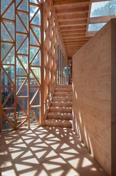 Holzhaus in Chile von Sebastián Irarrázaval - Journal of Design - Maison bois - Timber Architecture, Architecture Details, Chinese Architecture, Architecture Office, Futuristic Architecture, Amazing Architecture, Timber Structure, Wooden House, Interior And Exterior