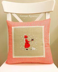 Kanaviçe yastık 🍄 Burlap, Reusable Tote Bags, Throw Pillows, Bed, Fiestas, Toss Pillows, Hessian Fabric, Cushions, Stream Bed