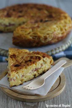 Frittata di pasta, ricetta napoletana una ricetta del riciclo dell'antica tradizione napoletana, ottima calda, ma anche fredda è strepitosa.