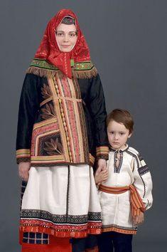 Russian folk costume of Belgorodskaya oblast'. Русский народный костюм в работах Дмитрия Давыдова