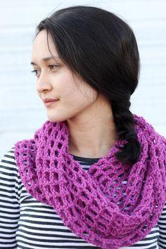 Mesh Cowl Scarf – FREE Crochet Pattern   Tutorial!