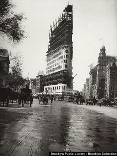 New York Architecture Images- THE FLATIRON BUILDING