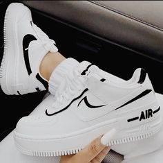 Cute Sneakers, Sneakers Mode, Air Force Sneakers, Casual Sneakers, Sneakers Style, Summer Sneakers, Girls Sneakers, Trendy Shoes, Trendy Outfits
