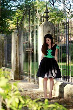 Blog da Lê-Moda e Estílo: Look - Preto com verde Lady Like